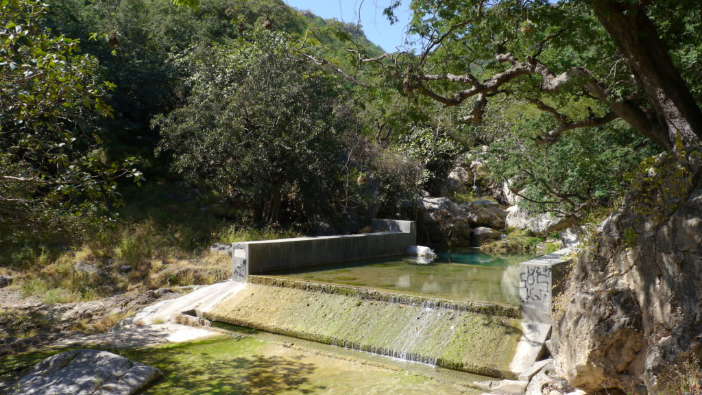 Creek in the Wadi Hinae where the baobabs grow. Tour from Salalah. Baobab trek.